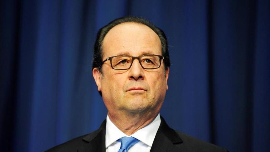 Hollande: restringir libertades contra el terrorismo es contraproducente