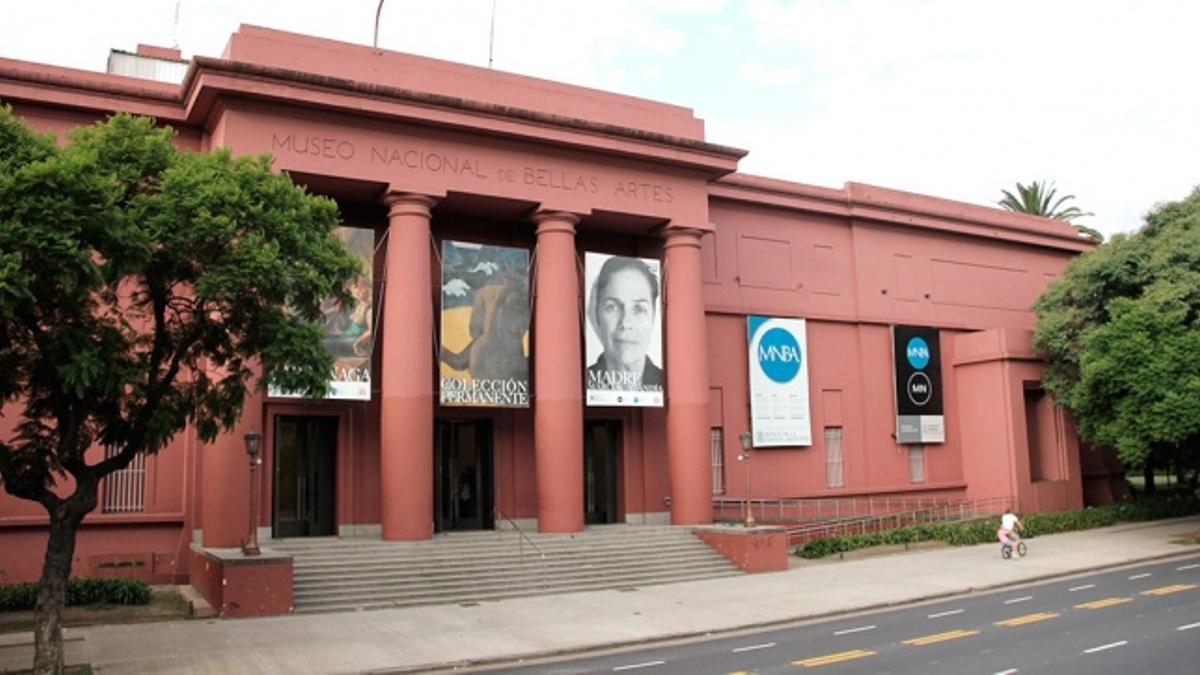 El Museo Nacional de Bellas Artes reabre sus puertas al público.