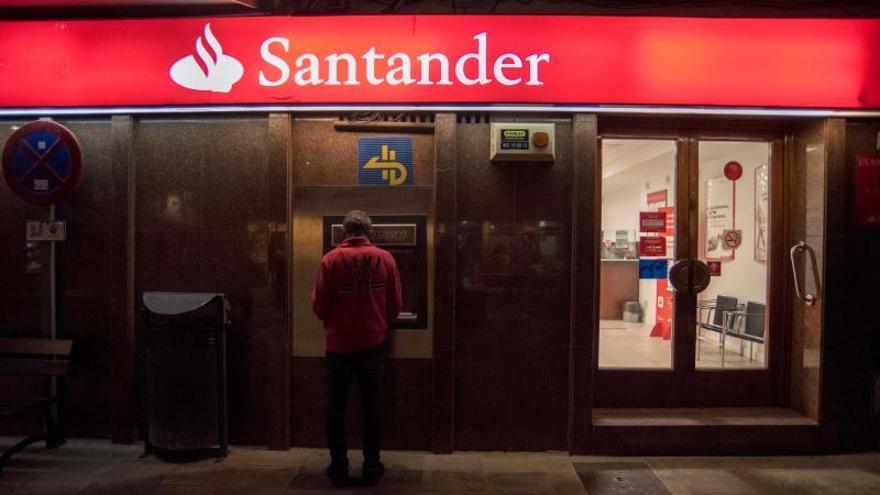 La CNMV multa al Santander con 4,5 millones de euros por infracción muy grave