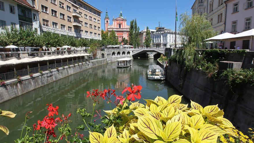 Rio Liubliana, que divide en dos el casco histórico de la capital eslovena. TURISMO DE ESLOVENIA