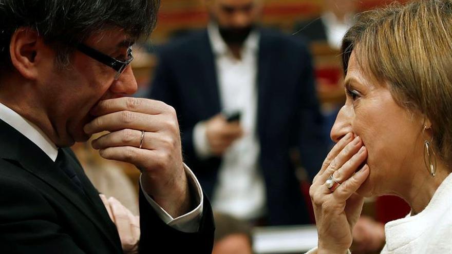 """Puigdemont pide """"sensibilidad"""" al Senado para que acepte su conferencia"""