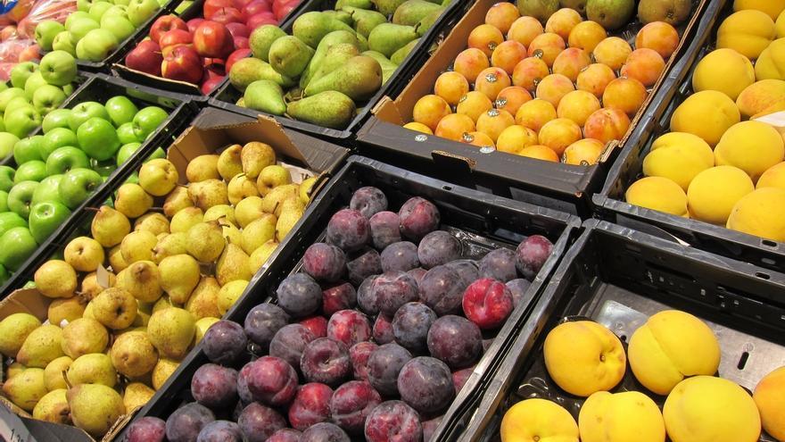 Agricultura pide a Bruselas aumentar el volumen de fruta dulce retirada ante el veto ruso