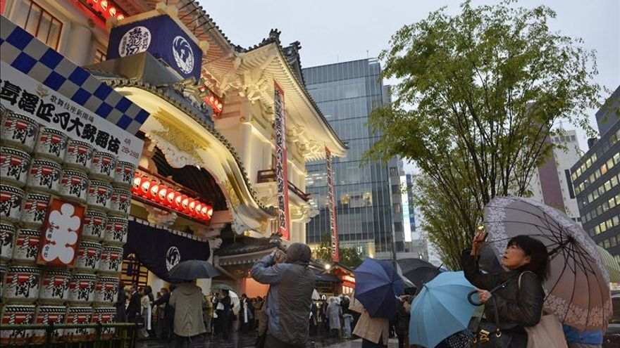 Tokio recupera el templo del kabuki escoltado por un rascacielos de oficinas