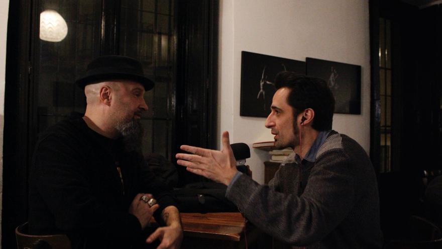 César Strawberry de Def Con Dos en el Teatro del Barrio