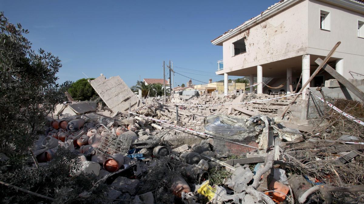 Estado en el que quedó la casa de Alcanar (Tarragona) en la que se produjo el atentado. EFE/Jaume Sellart/Archivo