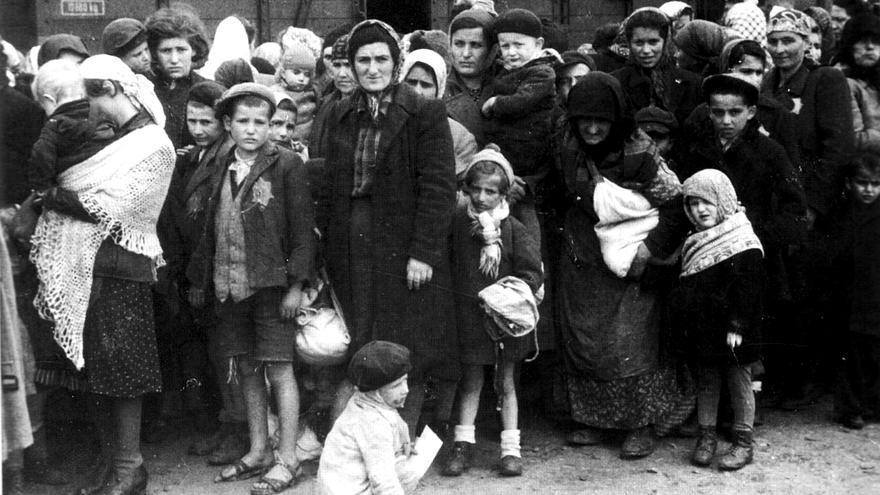 Mujeres judías en el campo de Auschwitz.