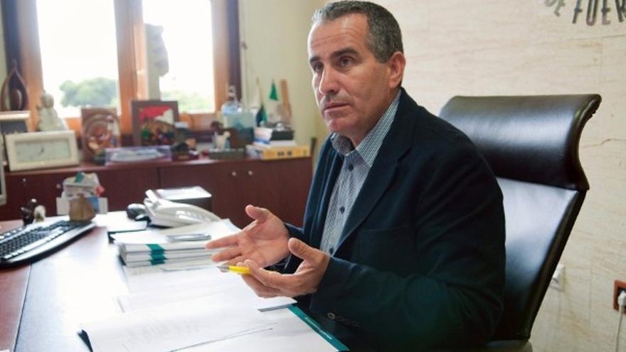 Mario Cabrera, diputado de CC en el Parlamento de Canarias. EFE
