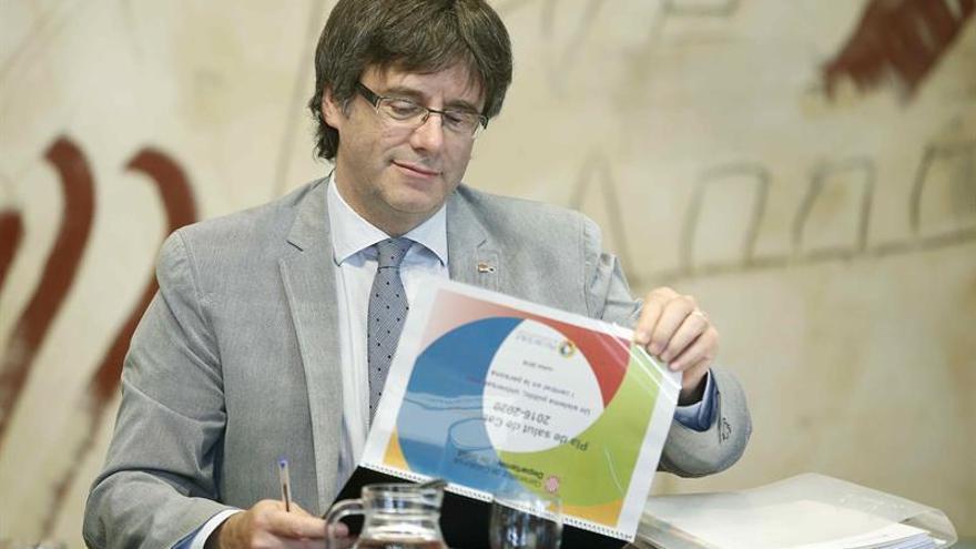 """Puigdemont prevé """"culminar"""" en junio de 2017 la hoja de ruta independentista"""