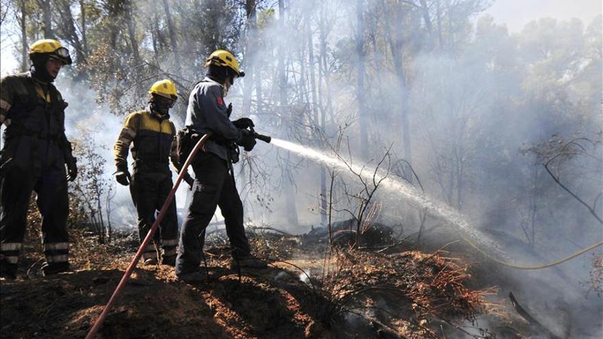 El incendio en el Baix Empordà (Girona) afecta a 400 hectáreas