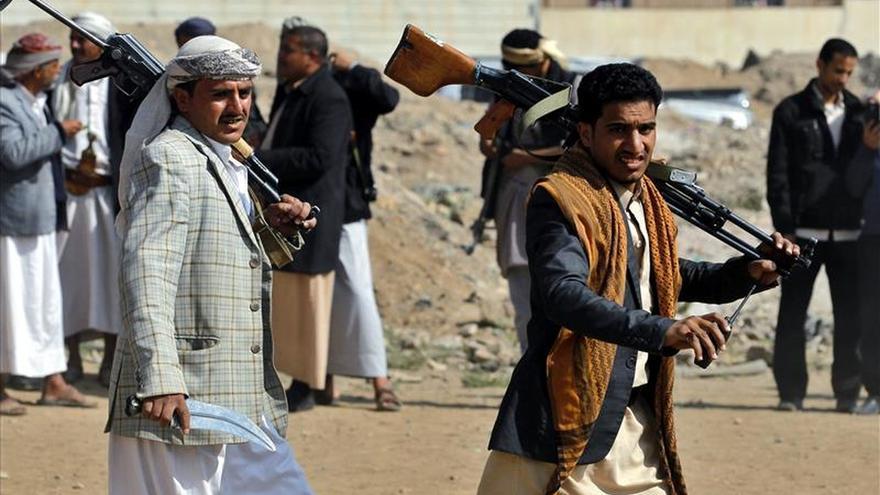 Los rebeldes hutíes acusan a la coalición árabe de violar el alto el fuego