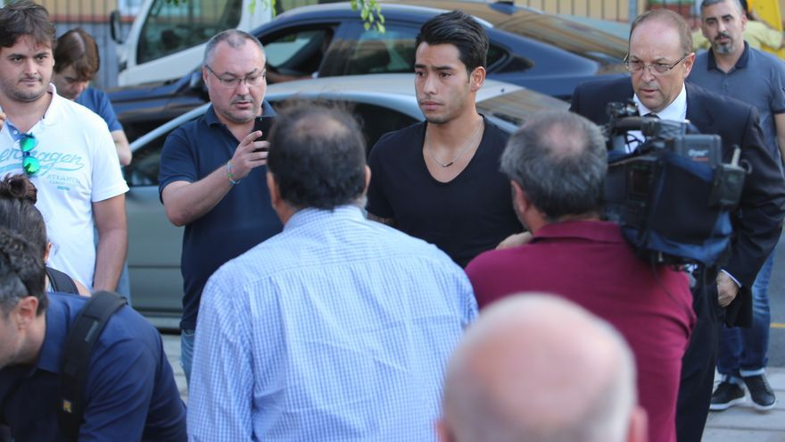 El futbolista Sergio Araujo a su llegada al juzgado de Telde (Alejandro Ramos)