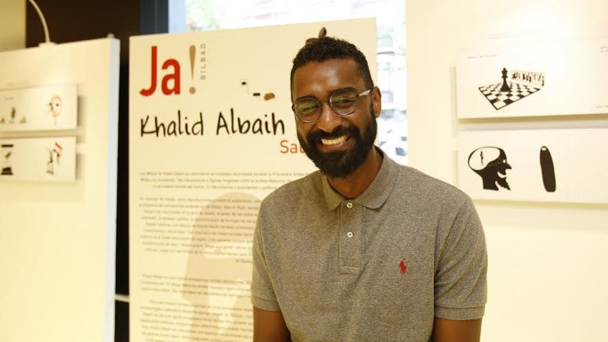 El caricaturista sudanés Khalid Albaih durante su visita a Bilbao  / Foto: David Herranz.