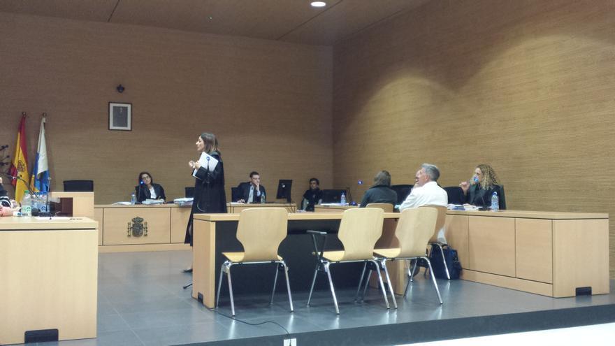 La fiscal Blanca Hernández durante su intervención en el juicio.