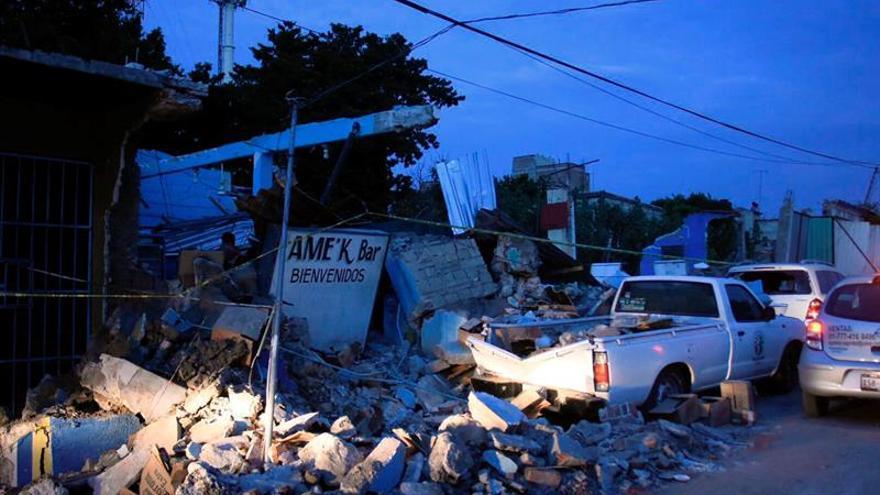Peña Nieto visita Jojutla, una de las zonas más afectadas por el terremoto