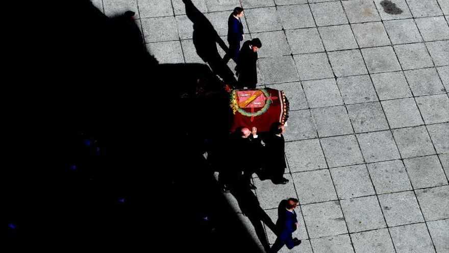 El féretro de Franco no llevaba una bandera de España, como denuncia Iglesias