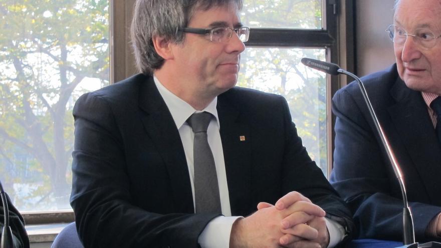 """Puigdemont afirma que Eskadi y Cataluña son """"dos pueblos"""" que comparten """"un viejo e intenso deseo de libertad"""""""