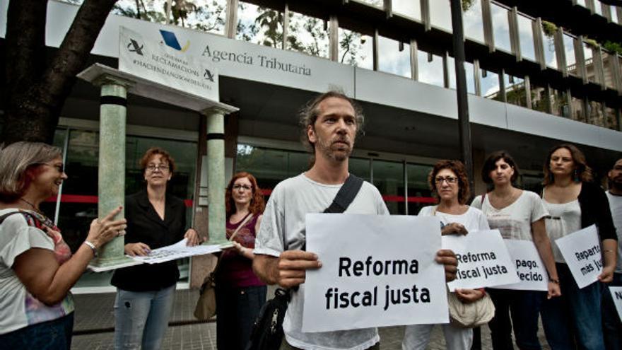 Protesta por la justicia fiscal. Imagen: Pablo Tosco / Oxfam Intermón