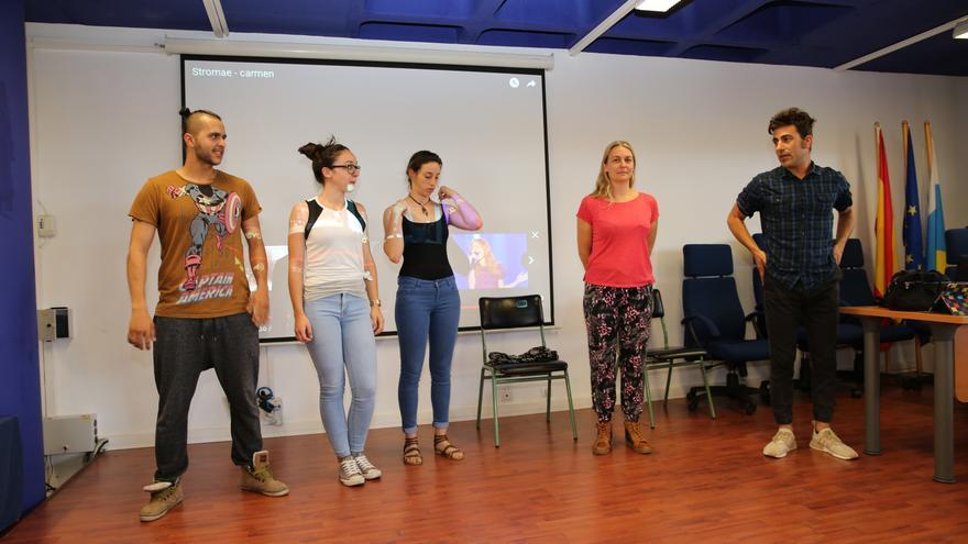 La Granuja Producciones representa una obra teatral en el encuentro 'Ayudantes TIC'