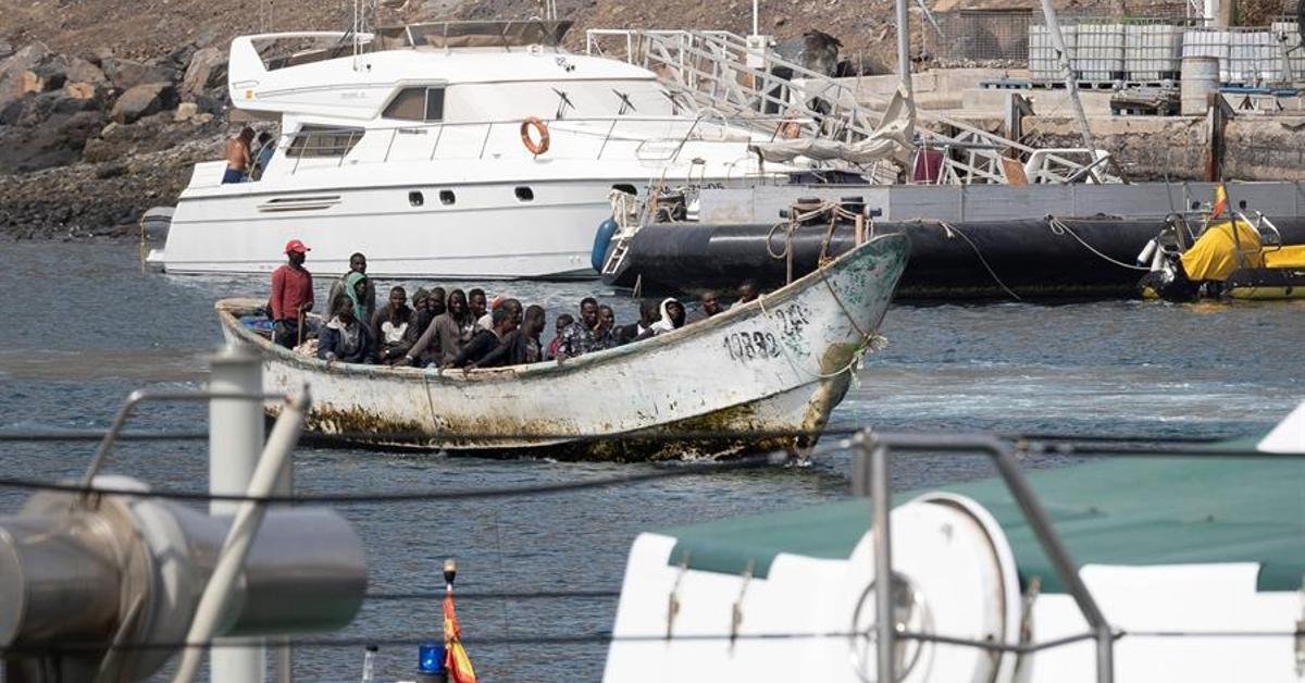Image Interior retoma las expulsiones desde Canarias y reabre los CIE con las mismas carencias previas a la pandemia