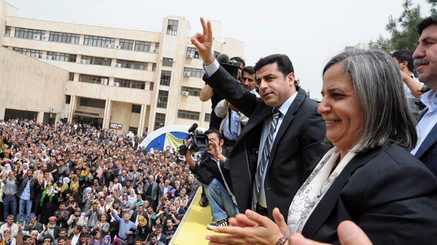 Turquía decreta prisión preventiva para una destacada política kurda