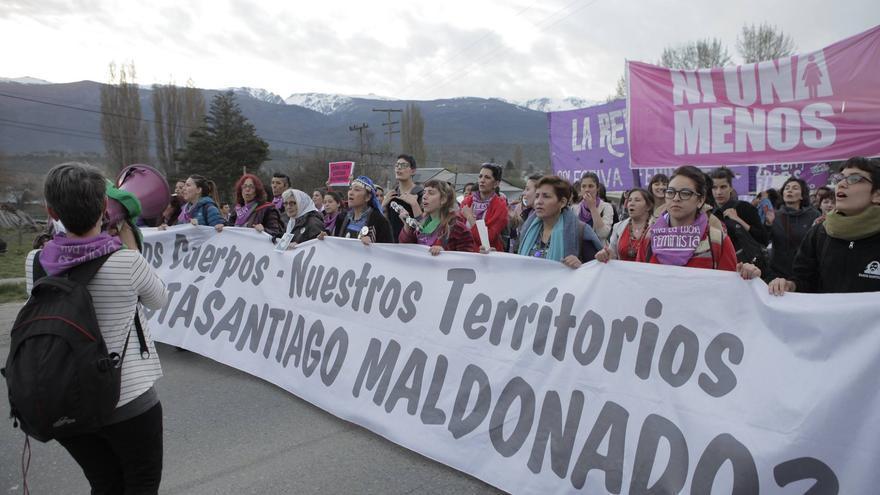 Marcha del movimiento feminista argentino por la aparición con vida de Santiago Maldonado. Imagen: Mica Asiner/Ni una menos.
