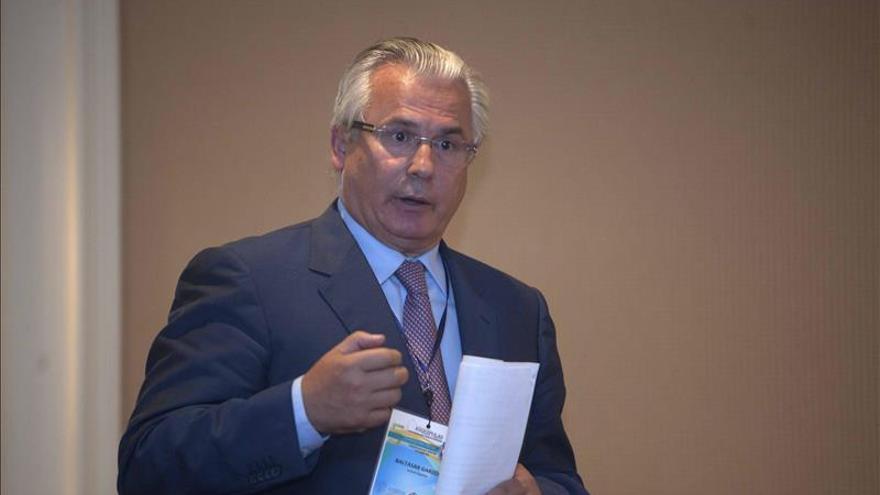 Garzón pide al Gobierno la devolución del dinero republicano incautado por Franco