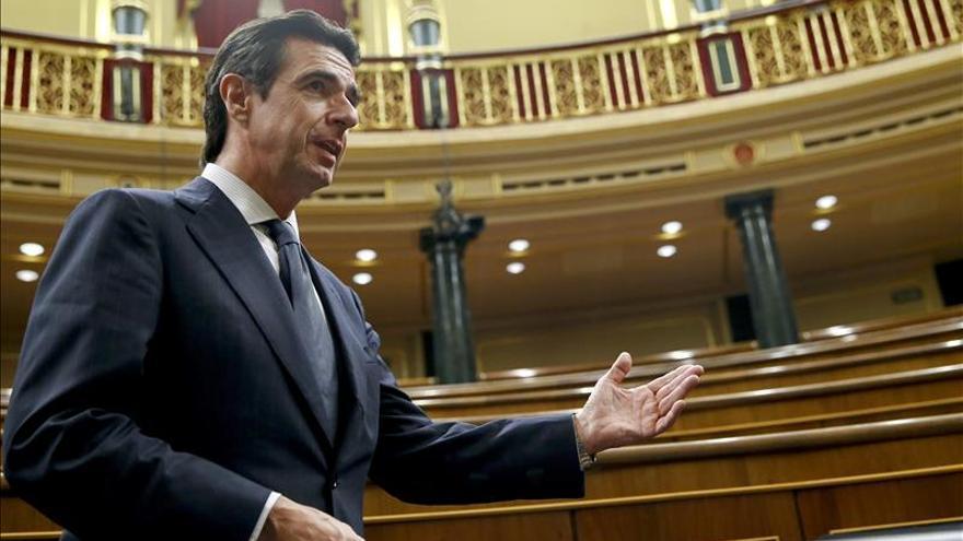 El ministro de Industria, Energía y Turismo, José Manuel Soria, durante el pleno de ayer en el Congreso de los Diputados. / Efe