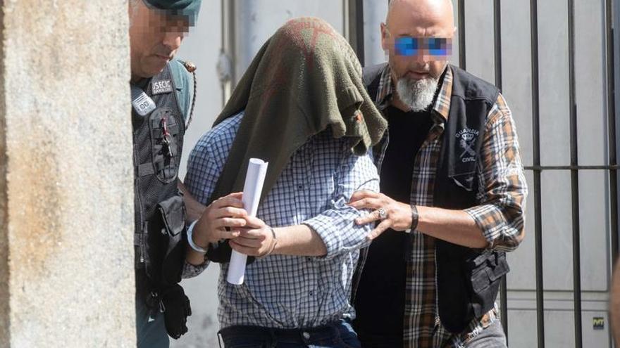 Prisión sin fianza para el autor del triple crimen machista de Valga