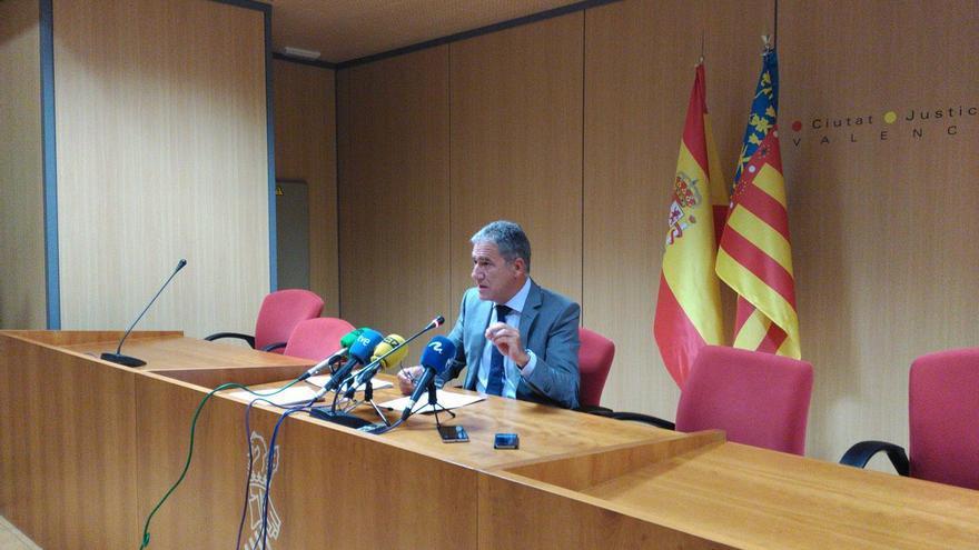 El decano de los jueces de Valencia, Pedro Viguer, en rueda de prensa