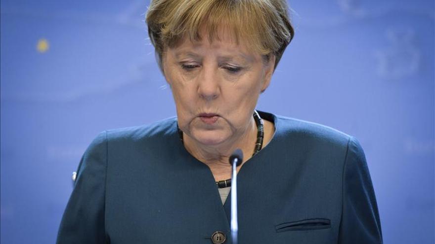 Merkel, consternada por el accidente, y en contacto con Rajoy y Hollande.