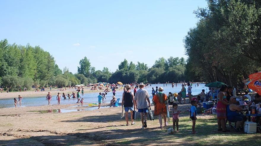 El río Alberche, a su paso por Escalona, en Toledo