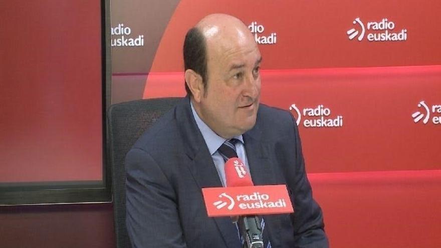 """Ortuzar dice que reconocer el """"daño injusto"""" no es """"condición"""" para el acercamiento, pero """"hay que hacerlo"""""""