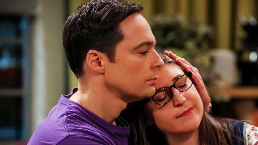 Jim Parsons y Mayim Bialik en 'The Big Bang Theory'