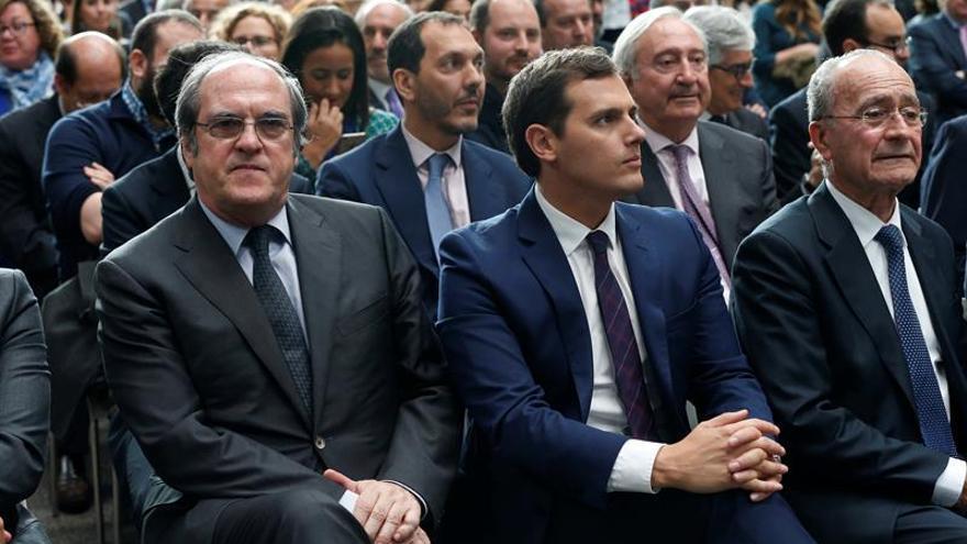 """Rivera cree que Rajoy es sólo """"parte del problema"""" para un acuerdo con C's"""
