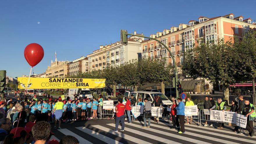 Decenas de niños han participado en el evento solidario.