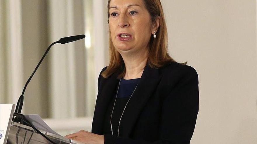 """Ana Pastor le dice  a Monedero que """"menos lecciones y más cumplir con las obligaciones"""""""
