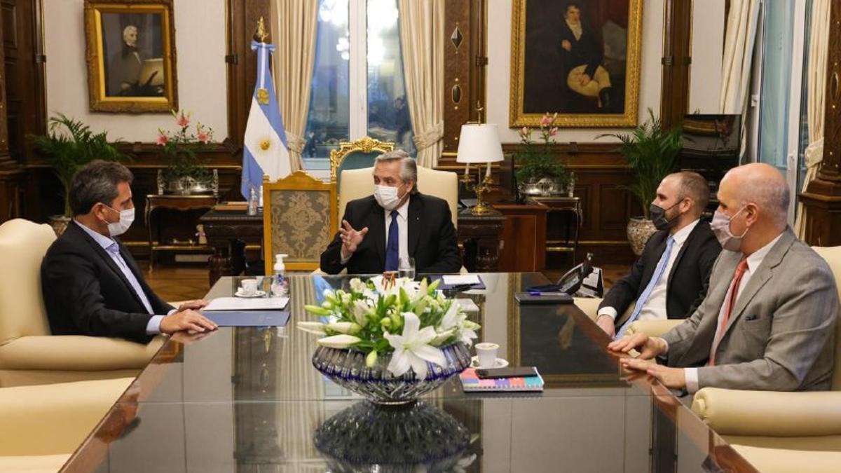Alberto Fernández junto a Massa y Guzmán en la Casa Rosada