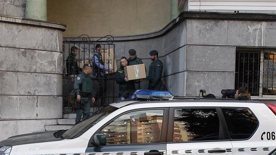 Trasladados al juzgado los seis detenidos de UGT-Asturias