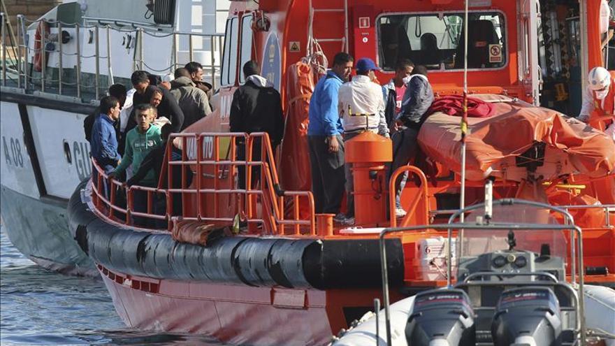 La vigilancia evitó que 1.700 inmigrantes se jugaran la vida en el mar