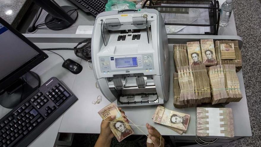 Unas 150 taquillas funcionarán 24 horas para depósitos de billetes en Caracas
