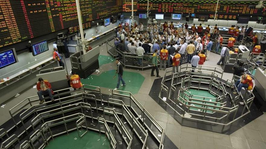 La Bolsa de Sao Paulo abre al alza con mejoría de la expectativa para Brasil