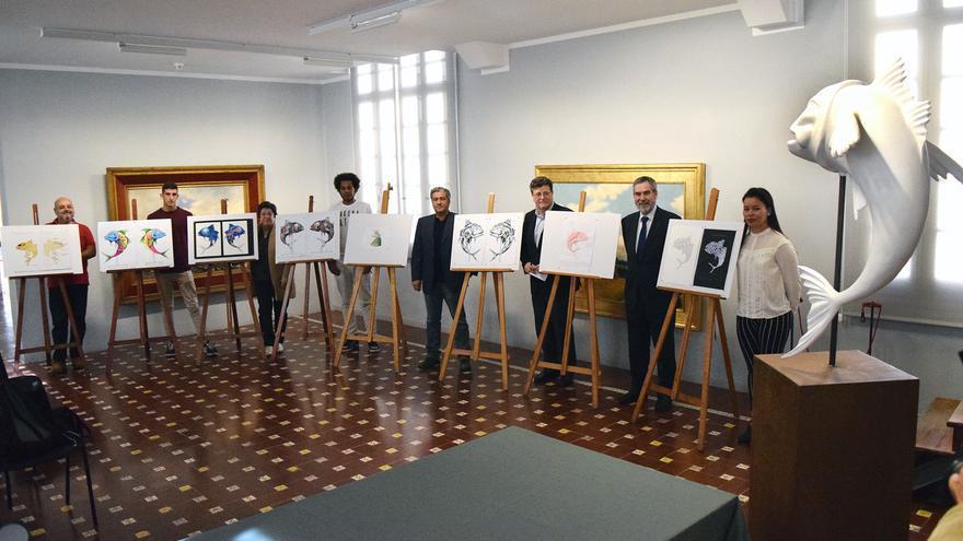 Los ganadores posan con sus diseños para los futuros 'Chicharritos'