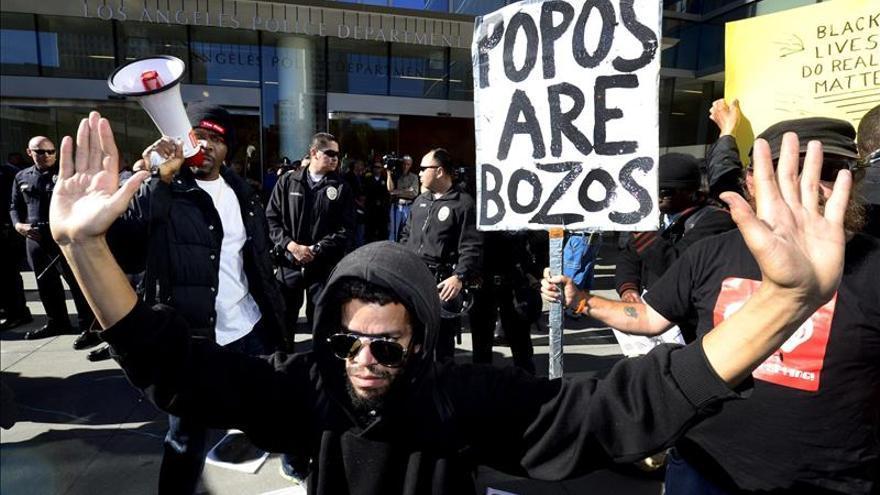 Protestan por la muerte del mendigo tiroteado por la policía en California