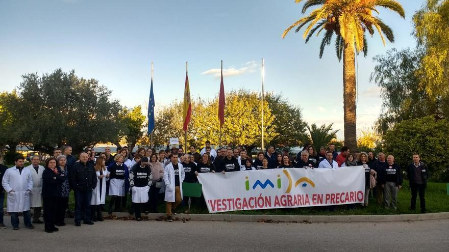 Protesta de los trabajadores del IMIDA