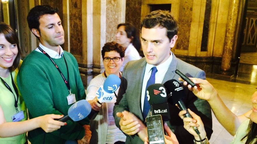 """Albert Rivera insta a Podemos a """"mojarse"""" ya que ve la indefinición como su punto débil"""