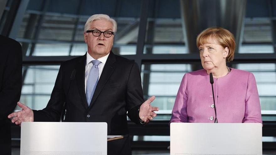 "Merkel formaliza a Steinmeier como ""candidato correcto"" a la presidencia"