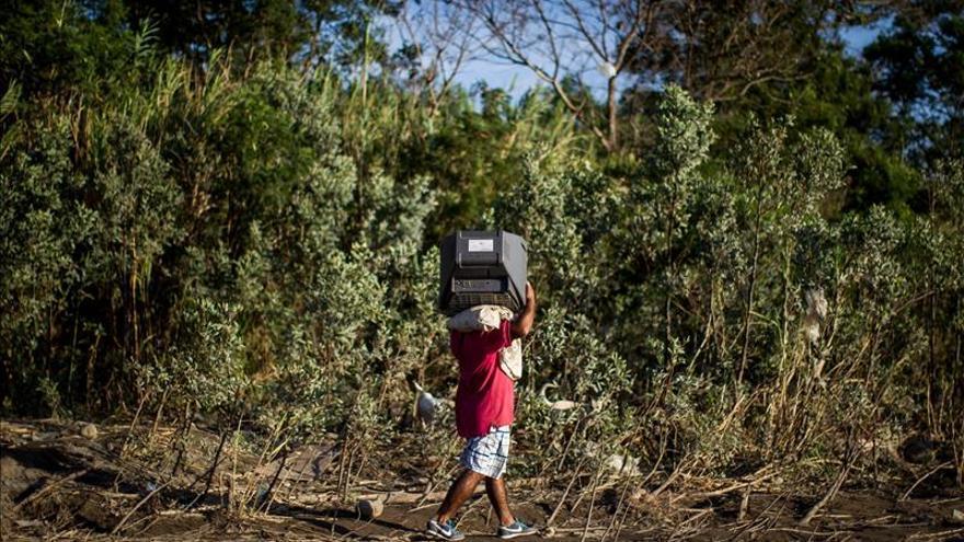 Las autoridades colombianas elevan a 1.381 los deportados por Venezuela