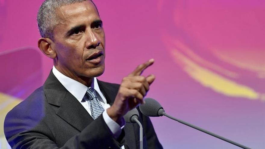 """Obama: EE.UU. """"rechaza el futuro"""" con la salida del Acuerdo de París"""