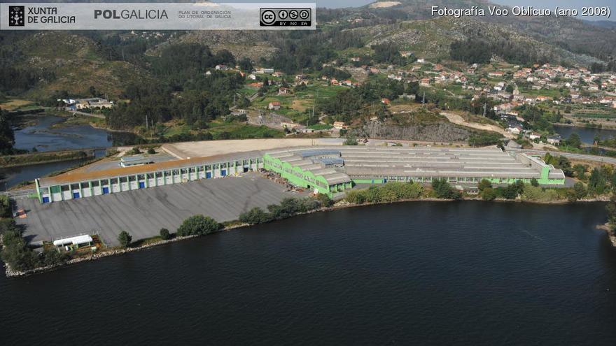 Concesión de la antigua fábrica de vajillas de Pontesa en terrenos parcialmente ganados al mar en el fondo de la ría de Vigo