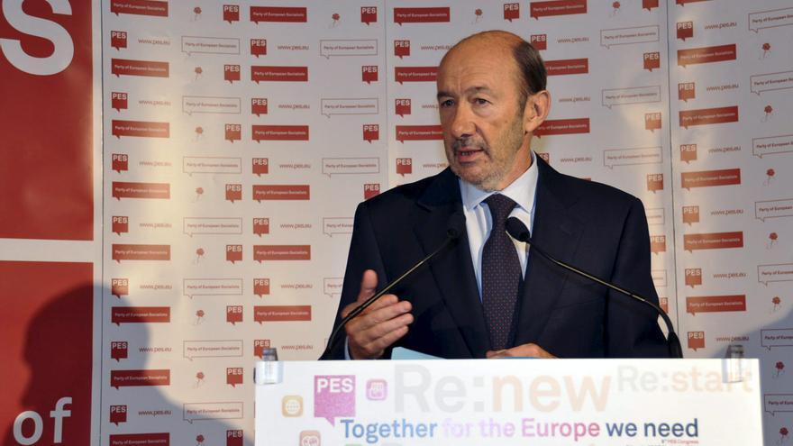 Rubalcaba dice que España va a la deriva con un gobierno que no sabe dónde va